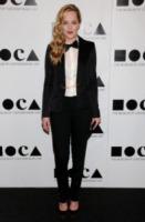 Dakota Johnson - Los Angeles - 12-11-2011 - Kirsten Dunst griffata Rodarte al Moca Gala 2011