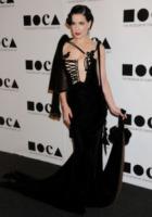 Dita Von Teese - Los Angeles - 12-11-2011 - Kirsten Dunst griffata Rodarte al Moca Gala 2011
