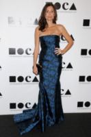 Minnie Driver - Los Angeles - 12-11-2011 - Kirsten Dunst griffata Rodarte al Moca Gala 2011