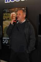 Ospite - Torino - 13-11-2011 - Claudio Santamaria e' il menestrello della Mole Antonelliana