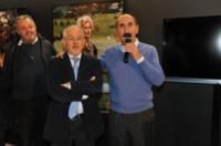 Ospiti - Torino - 13-11-2011 - Claudio Santamaria e' il menestrello della Mole Antonelliana