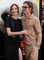 "Angelina Jolie, Brad Pitt - Malibu - 23-08-2011 - Angelina Jolie tiene il suo ""lato oscuro"" per Brad Pitt"