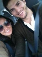 Demi Moore, Ashton Kutcher - Milano - 18-11-2011 - Demi Moore annuncia ufficialmente il divorzio da Ashton Kutcher