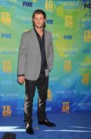 Chris Hemsworth - Los Angeles - 08-08-2011 - Kristen Stewart ha fatto un occhio nero a Chris Hemworth