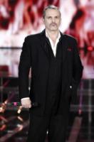 Miguel Bosè - Milano - 18-11-2011 - La cicogna in affitto continua ad avere successo