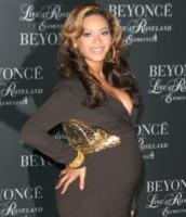 Beyonce Knowles - New York - 19-11-2011 - Beyonce ancora incinta a Capodanno secondo People