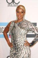 Mary J. Blige - Los Angeles - 20-11-2011 - Abusi e molestie: il lato oscuro dell'infanzia dei vip