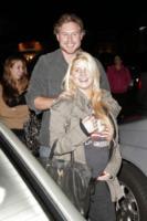 Eric Johnson, Jessica Simpson - Los Angeles - 21-11-2011 - Jessica Simpson visita il negozio di abiti da sposa di Monique Lhuillier
