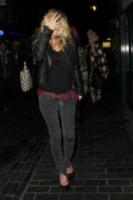 Kate Moss - Londra - 24-11-2011 - Kate Moss: una modella dall'equilibrio precario