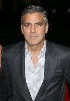 George Clooney - Los Angeles - 15-11-2011 - George Clooney impegnato in una storia sull'arte trafugata dai nazisti