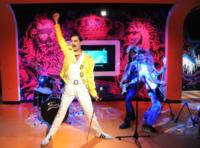 Freddie Mercury - Londra - 24-11-2011 - Freddie Mercury, scelti gli attori per il film sulla sua vita