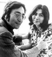 John Lennon, Yoko Ono - Liverpool - 24-11-2011 - Venduta per 23 milioni di dollari la ex villa di John Lennon