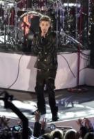 """Justin Bieber - New York - 25-11-2011 - Justin Bieber non ha mai creduto a Babbo Natale: """"Mia madre è sempre stata sincera"""""""