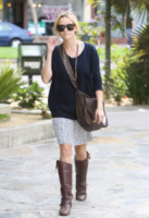 """Reese Witherspoon - Santa Monica - 28-11-2011 - Reese Witherspoon """"salvata"""" da Jim Toth al primo incontro"""