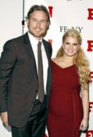 Eric Johnson, Jessica Simpson - New York - 30-11-2011 - Fiocco azzurro per Jessica Simpson, e' nato Ace Knute
