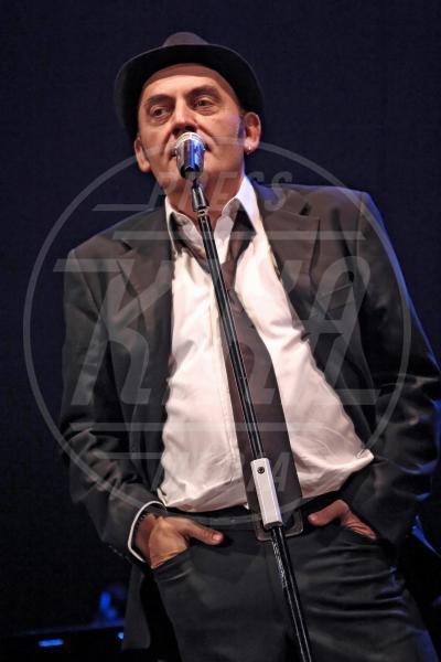 Mango - Catania - 30-11-2011 - Il pentagramma italiano perde le sue note migliori