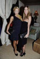 Nicky Hilton, Paris Hilton - Miami Beach - 30-11-2011 - Il mondo è bello vicino a mio fratello