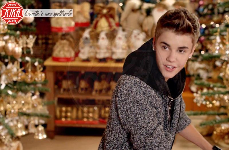 """Justin Bieber - New York - 01-12-2011 - Justin Bieber non ha mai creduto a Babbo Natale: """"Mia madre è sempre stata sincera"""""""