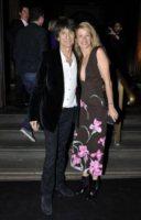 Ronnie Wood, Leah Wood - Sydney - 02-12-2011 - Miranda Kerr, un angelo anni '50 al party del nuovo flagship store di Louis Vuitton
