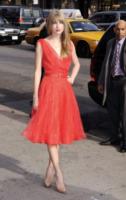 Taylor Swift - New York - 02-12-2011 - Si scrive street-style chic, si legge… Taylor Swift!
