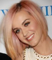 Katy Perry - Los Angeles - 03-12-2011 - Katy Perry rinuncia ai People's Choice Awards