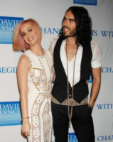 Katy Perry, Russell Brand - Los Angeles - 03-12-2011 - Katy Perry rinuncia ai People's Choice Awards
