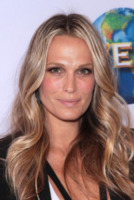 Molly Sims - Beverly Hills - 03-12-2011 - Molly Sims è incinta
