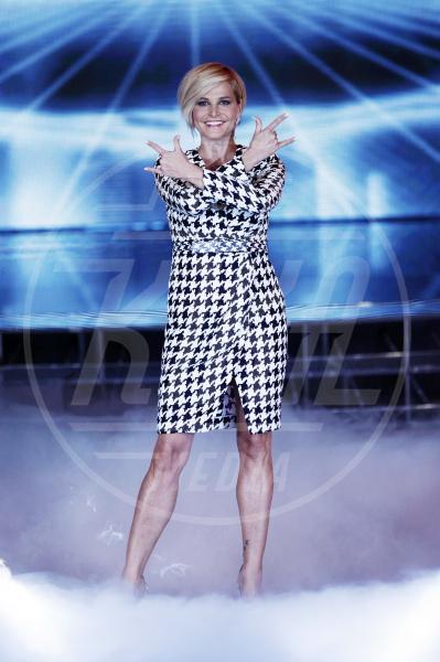 Simona Ventura - Milano - 18-11-2011 - Sul red carpet, l'optical è… l'optimum!