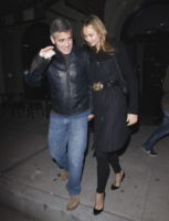 Stacy Keibler, George Clooney - West Hollywood - 07-12-2011 - George Clooney e Stacy Keibler passano sempre le feste in Messico
