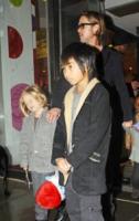 Shiloh Jolie Pitt, Pax Thien Jolie Pitt, Brad Pitt - New York - 07-12-2011 - Brad Pitt, l'FBI indaga per abuso di minori