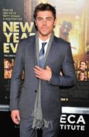 Zac Efron - New York - 07-12-2011 - Zac Efron un uomo dai mille amori: l'attore visto con Lily Collins, nega una relazione con Rumer Willis