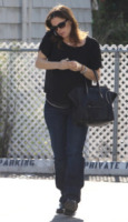 Jennifer Garner - Los Angeles - 08-12-2011 - Le celebrity ne vanno matte: è la Celine Luggage Tote Bag!