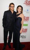 Angelina Jolie - Hollywood - 09-12-2011 - Angelina Jolie e Brad Pitt: la coppia dei sogni alla premiere di In the Land of Blood and Honey
