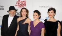 Zana Marjanovic, Vanesa Glodjo, Rade Serbedzija, Angelina Jolie - Hollywood - 09-12-2011 - Angelina Jolie e Brad Pitt: la coppia dei sogni alla premiere di In the Land of Blood and Honey