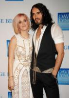Katy Perry, Russell Brand - Los Angeles - 03-12-2011 - Katy Perry ringrazia i fan su Twitter dopo il divorzio