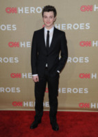 Chris Colfer - Los Angeles - 12-12-2011 - Niente spinoff per Glee, a rischio Cory Monteith e Chris Colfer