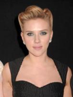 Scarlett Johansson - New York - 13-12-2011 -  Scarlett Johansson: Mai senza rossetto