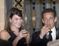 Nicolas Sarkozy, Carla Bruni - Città del Messico - 13-12-2011 - Sarkozy deriso dai media. Notate nulla in questo scatto?