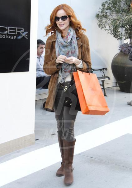 Marcia Cross - Beverly Hills - 14-12-2011 - A ogni star il suo colore: nero per Angelina, rosa per Paris