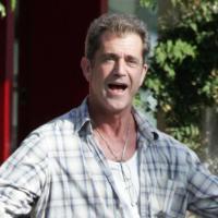 Mel Gibson - Malibu - 18-07-2006 - Mel Gibson, un bouquet di rose da 500 dollari per chiedere scusa