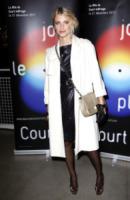 Melanie Laurent - Parigi - 21-12-2011 - En pendant con l'inverno con un cappotto bianco