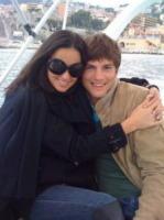 Demi Moore, Ashton Kutcher - Milano - 18-11-2011 - Ashton Kutcher si preoccupa per Demi Moore