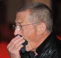 John Hurt - Anaheim - 22-12-2011 - Persone comuni e star hanno un nemico comune