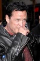 Michael Madsen - Anaheim - 22-12-2011 - Persone comuni e star hanno un nemico comune