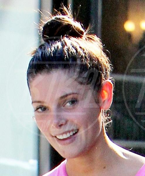 Ashley Greene - Los Angeles - 11-10-2011 - Il Make-up, il migliore amico delle star