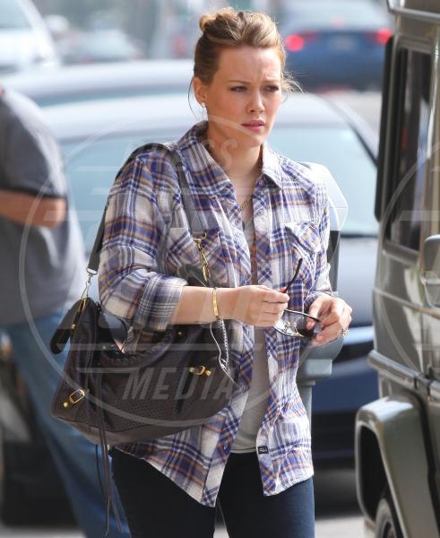 Hilary Duff - Hollywood - 27-10-2011 - Il Make-up, il migliore amico delle star