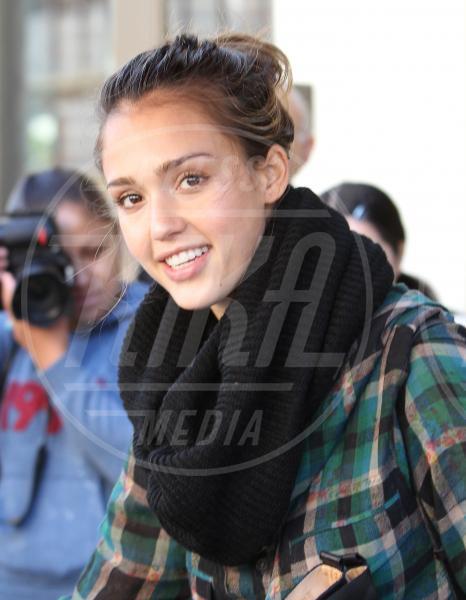 Jessica Alba - Beverly Hills - Il Make-up, il migliore amico delle star