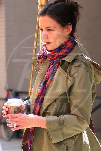 Katie Holmes - New York - 02-04-2010 - Il Make-up, il migliore amico delle star