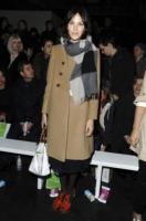 Alexa Chung - Londra - 19-02-2011 - L'inverno porta in dote i colori neutrali, come il beige