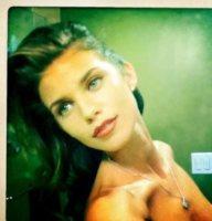 AnnaLynne McCord - 09-01-2012 - Zoe Kravitz: lo vedete bene il seno?